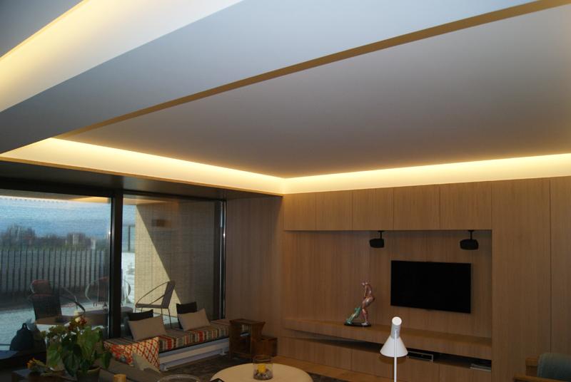 Estucos pintura decorativa pladur chimeneas paneles de - Luz indirecta escayola ...